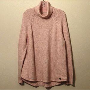 MICHAEL KORS light pink cozy turtleneck sweater